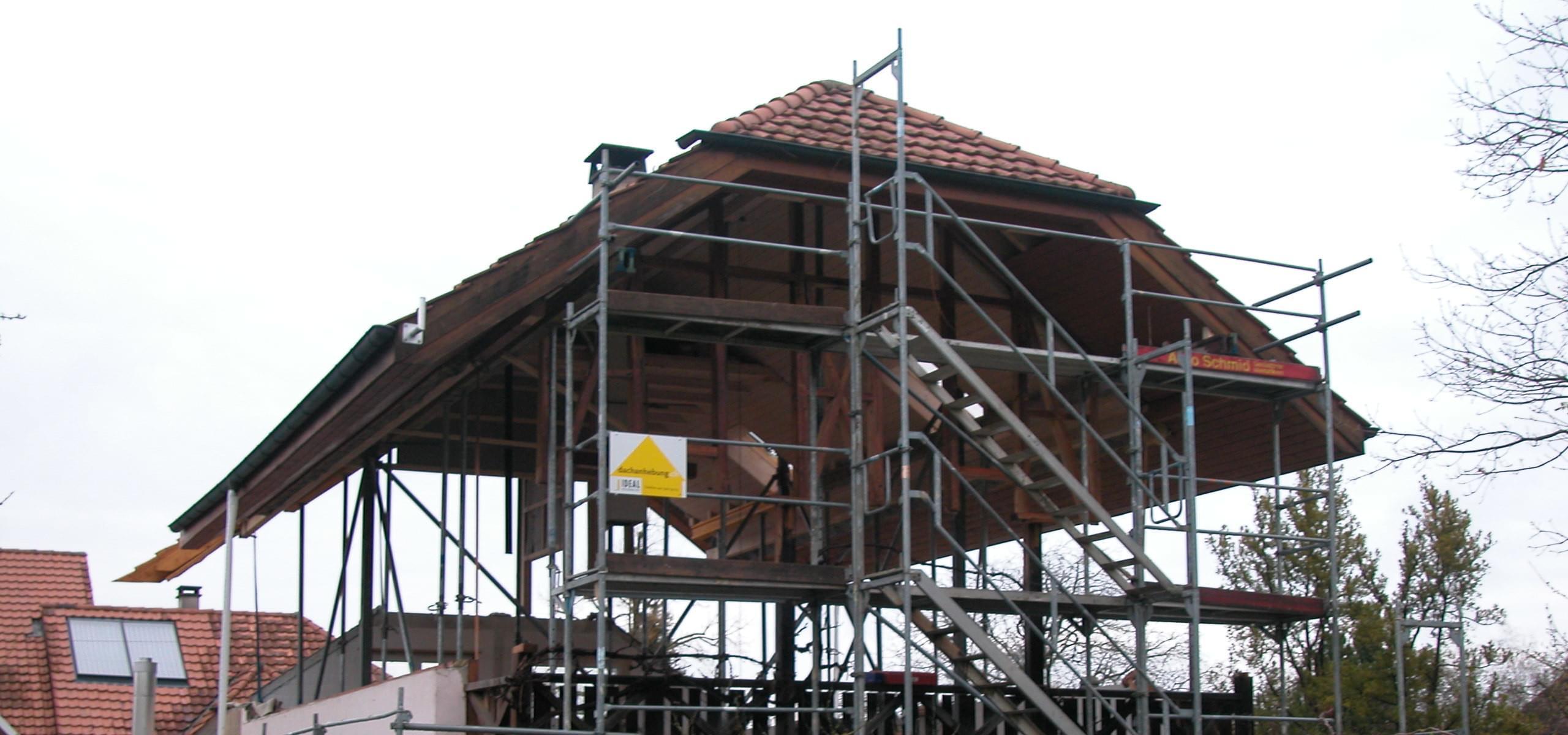 Titelbild Dino Dachanhebung